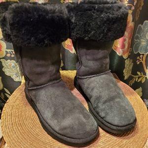 UGG Australia Classic Tall Boots 5815 sz 7